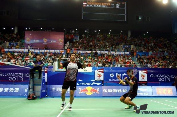 Hendra Setiawan left with doubles partner Mohd Ahsan.jpg